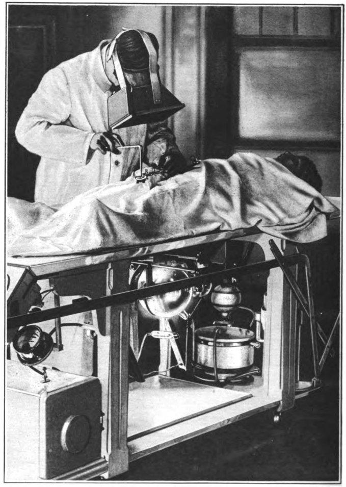 WW1_fluoroscope_operation.jpg