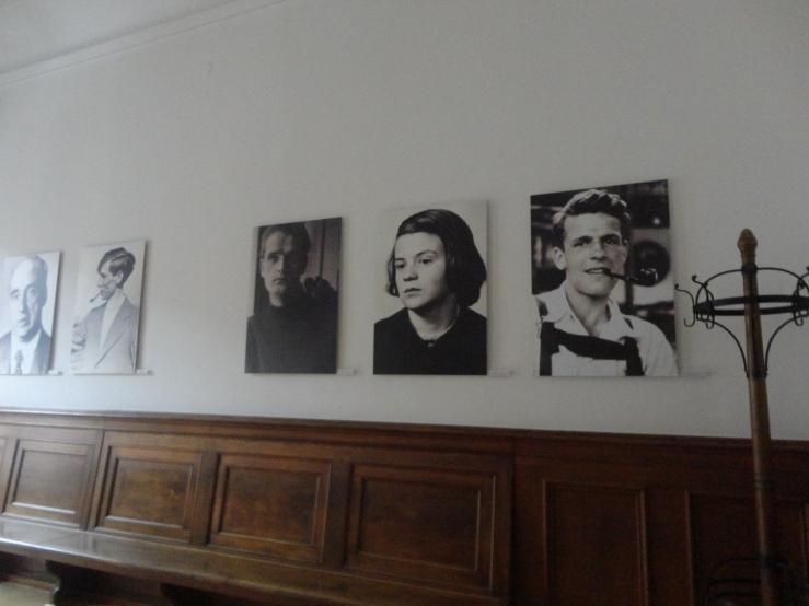 Court Room Scholls