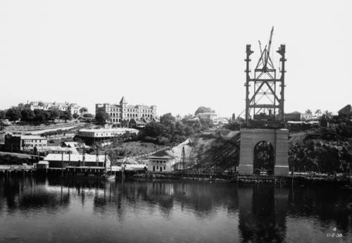 Story Bridge under construction in Brisbane 1938